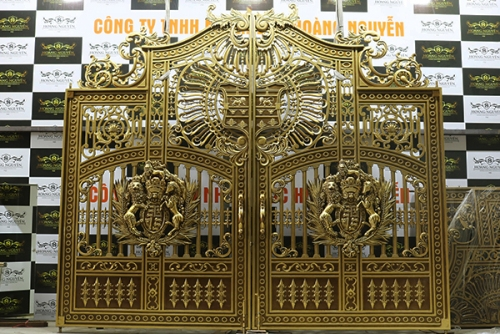 C114 - Cổng Buckingham